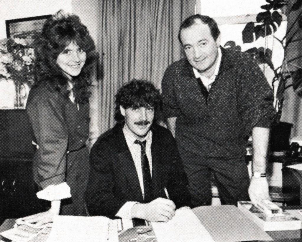 1987 to 88 Trevor Morley signs