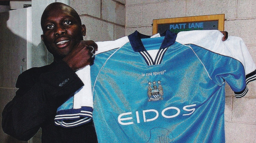 2000 to 01 george weah signs
