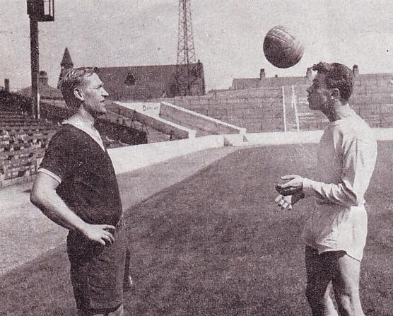 Alan ogley signs pre season with trautmann 1963 to 64