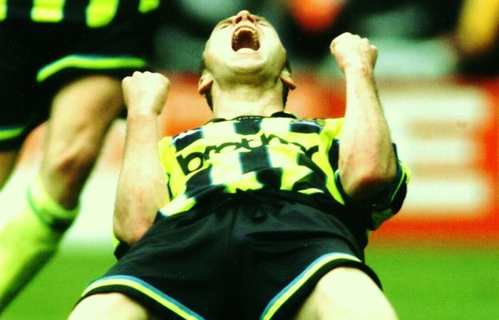 Gillingham playoff final 1998 to 99 dickov goalb