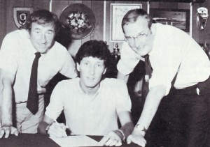 parlane signs 1983 to 84