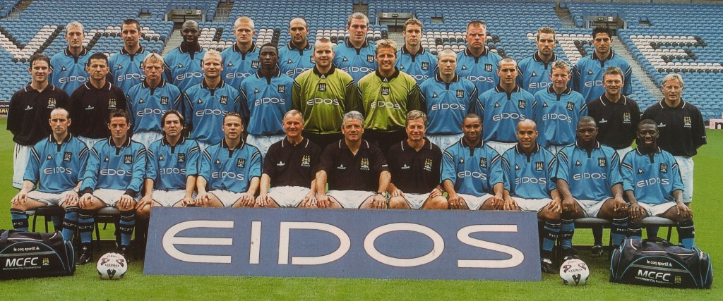 team photo 2001 to 02