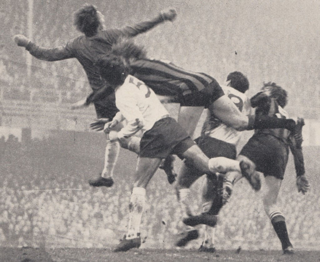 derby away 1971 to 72 action4