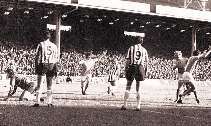 sheff utd home 1971-72 doyle city 1st goal celeb