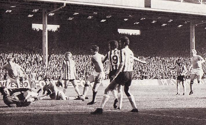 sheff utd home 1971-72 doyle city 1st goal