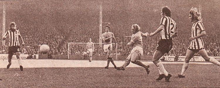 sheff utd home 1971-72 lee city 2nd goal2