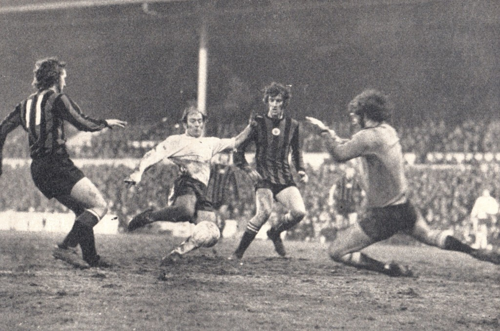 tottenham away 1971 to 72 action 4