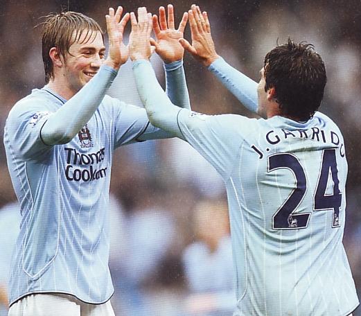 Aston villa home 2007 to 08 johnson goal celeb