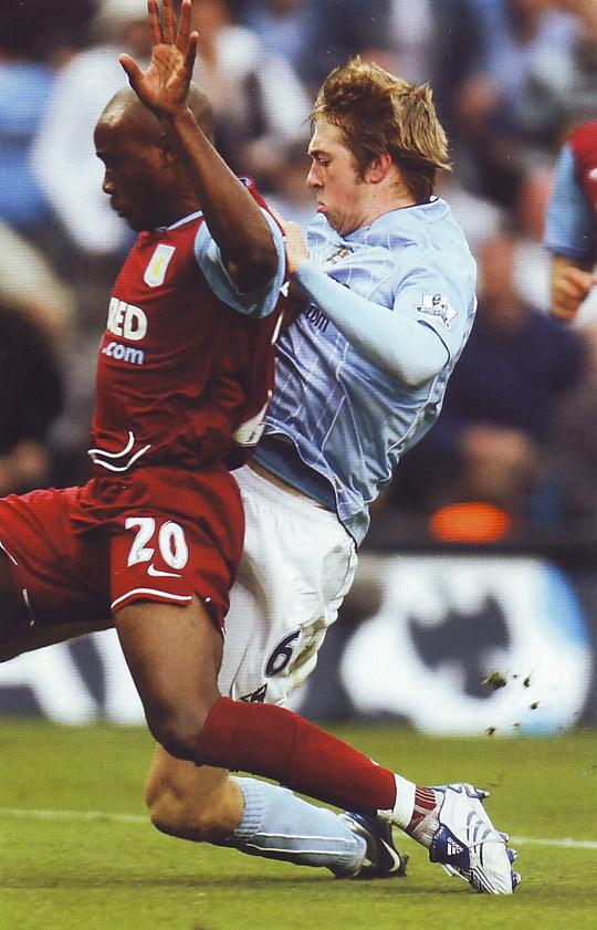 Aston villa home 2007 to 08 johnson goal