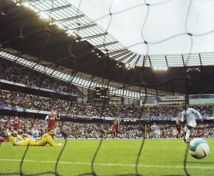 Aston villa home 2007 to 08 johnson goal2
