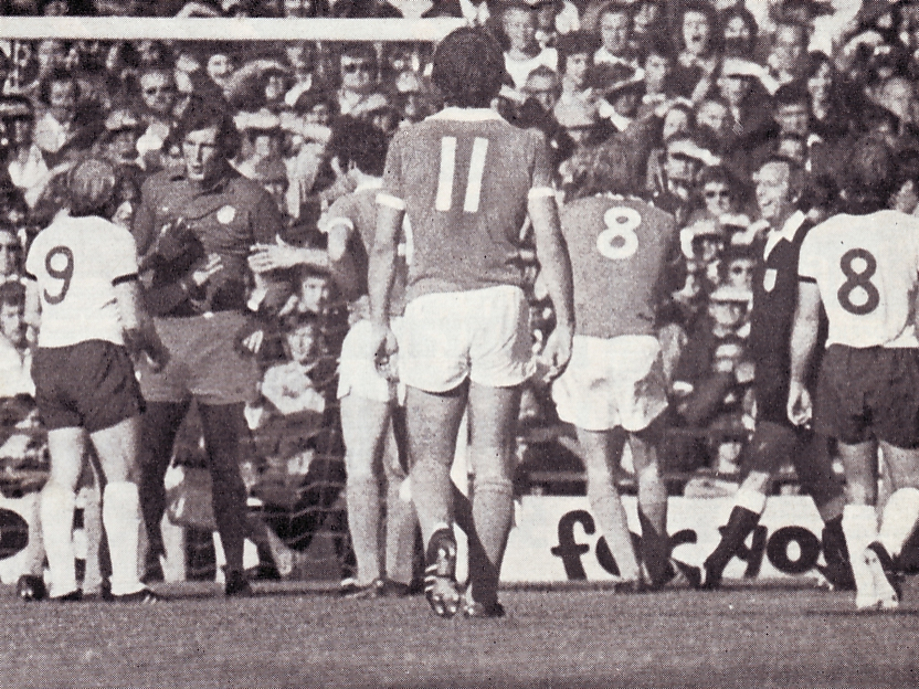 derby away 1975 to 76 action2