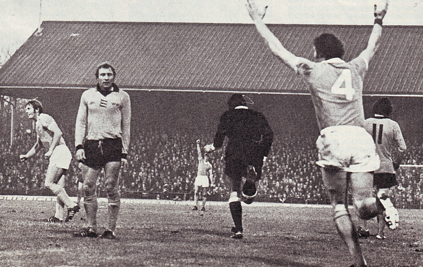 wolves away 1975 to 76 action2