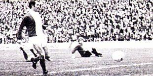 birmingham away 1974 to 75 1st Birmingham goal