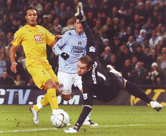 tottenham home carling cup 2007 to 08 action3