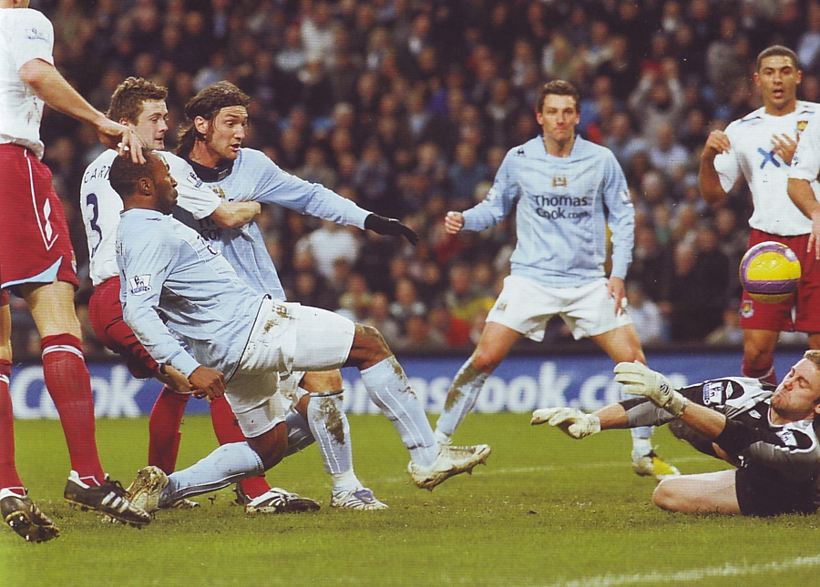 west ham home 2007 to 08 vassell goal