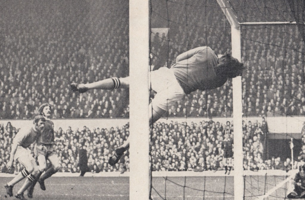 liverpool away 1971 to 72 action