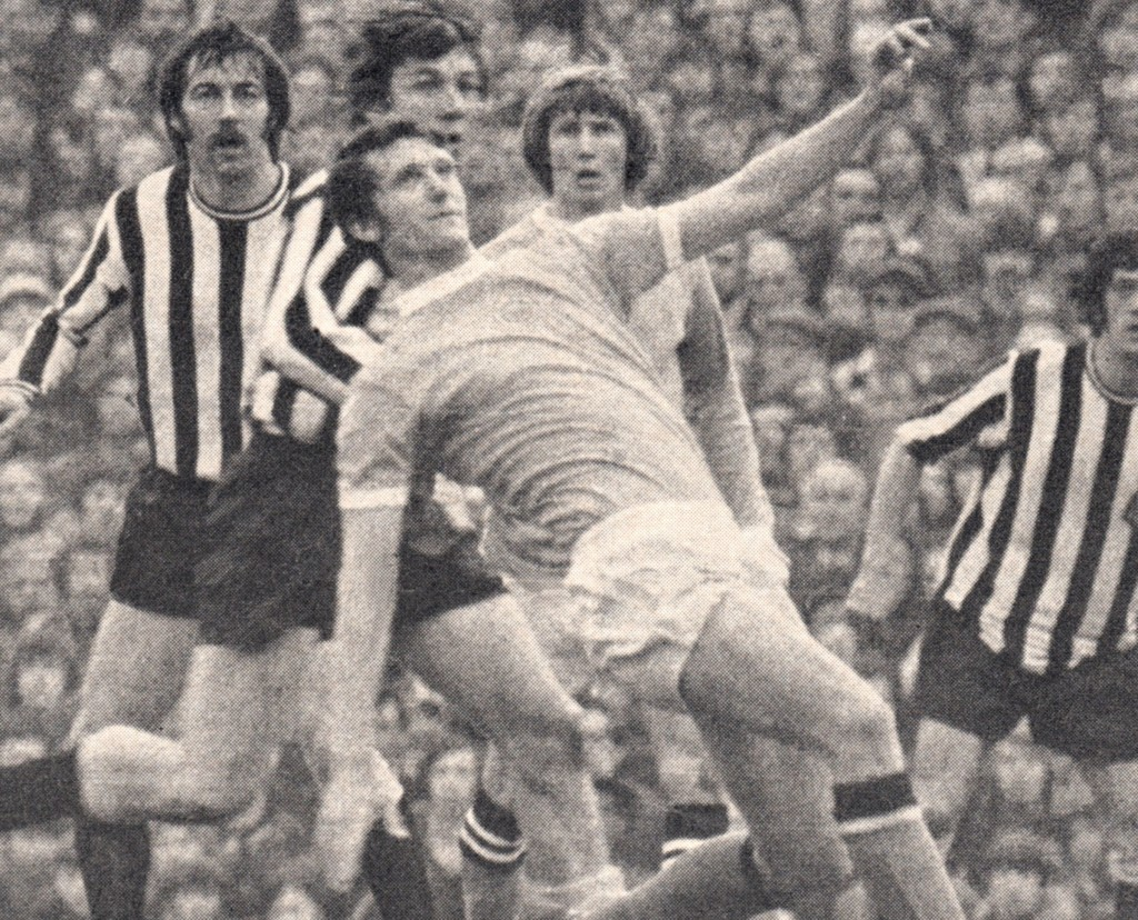 newcastle away 1971 to 72 action4