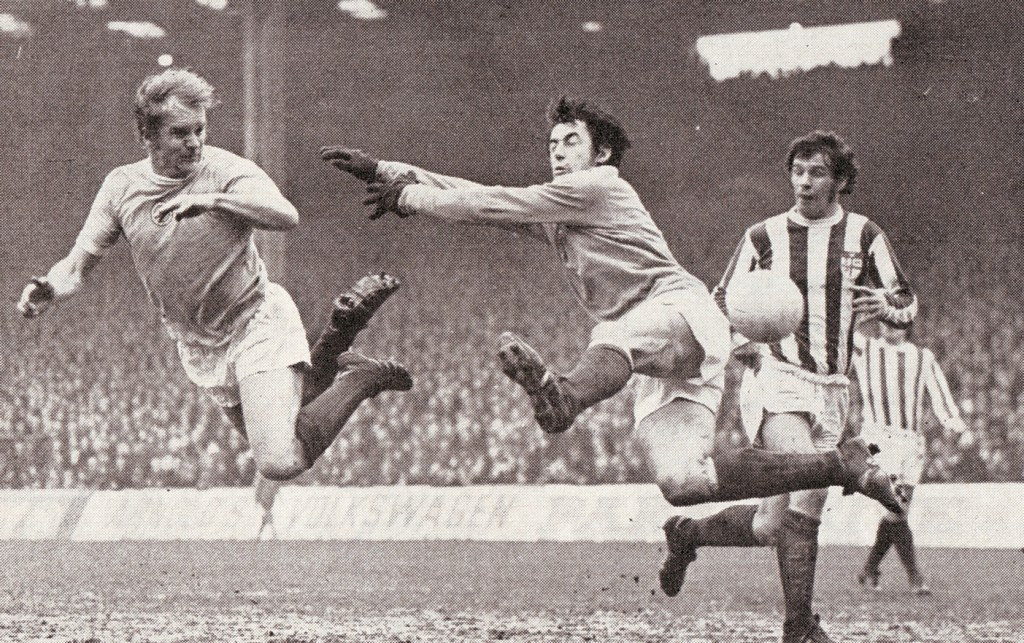 stoke home 1971-72 action