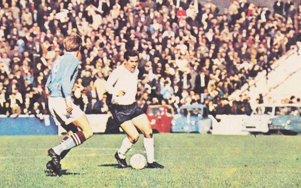 tottenham home 1971 to 72 action6