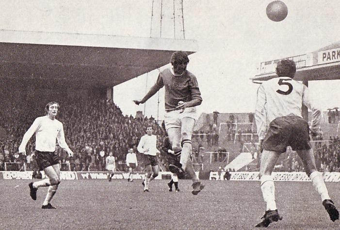 tottenham home 1971 to 72 davies city 3rd goal