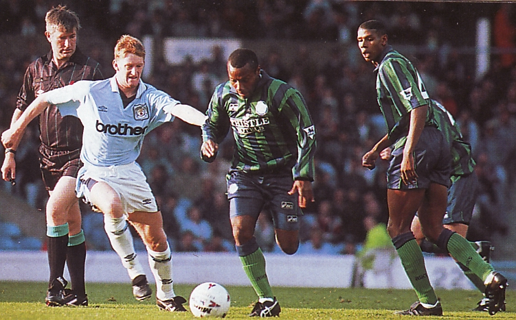 Leeds home 1995 to 96 action3