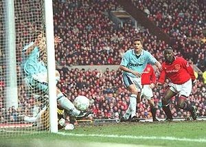 man u away fa cup 1995 to 96 action2a