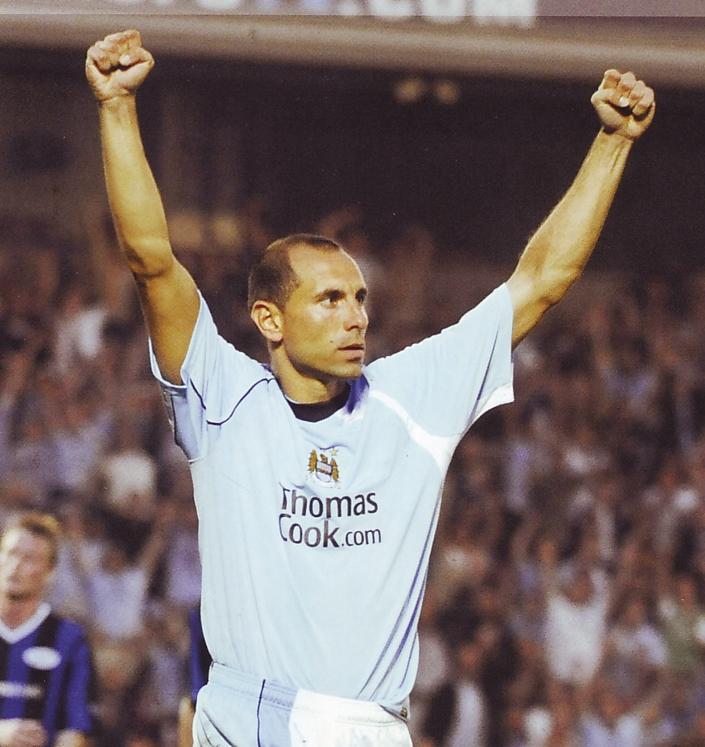 EB Streymur home 2008 to 09 petrov goal celeb2