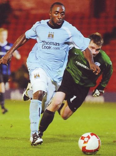 EB Streymur home 2008 to 09vassell goal