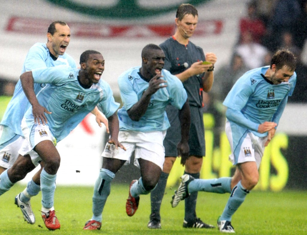 fc midtjylland away 2008 to 09 celebrations after pen win