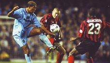 Coventry away 2001 to 02 action2