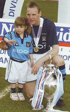 portsmouth home 2001 to 02 pearce & daughter