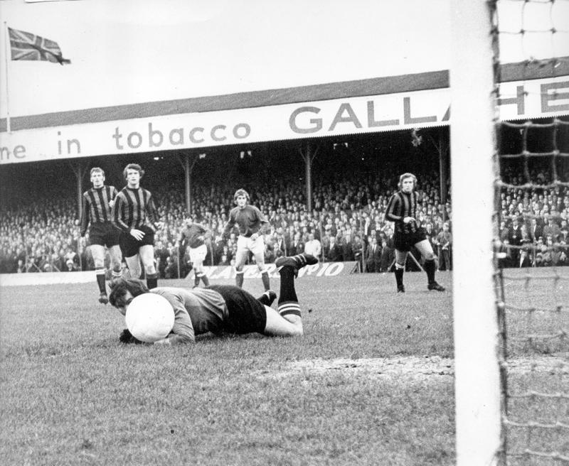 Linfield away ECWC 1970-71 action