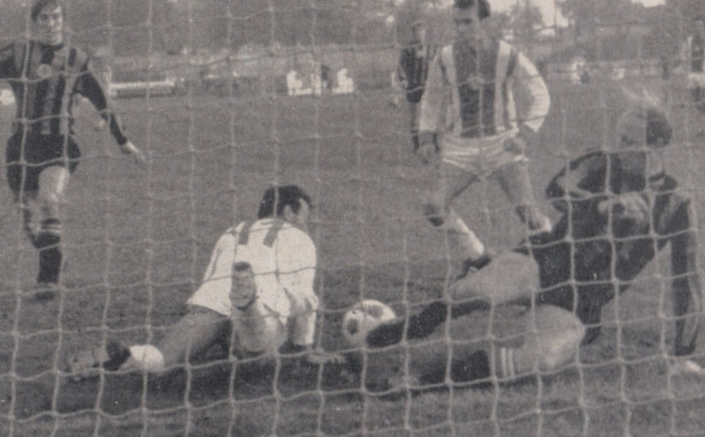 honved away 1970 to 71 action 6