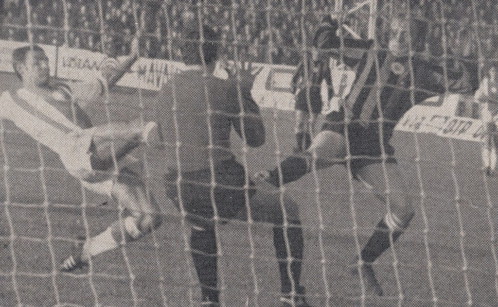 honved away 1970 to 71 action 8