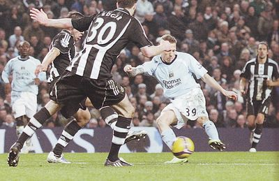 newcastle home 2008 to 09 bellamy goal
