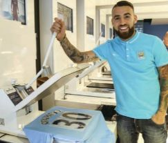 otamendi signs 2015 to 16