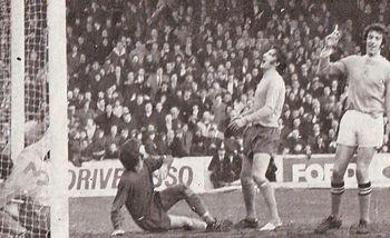 everton home 1970-71 booth goal
