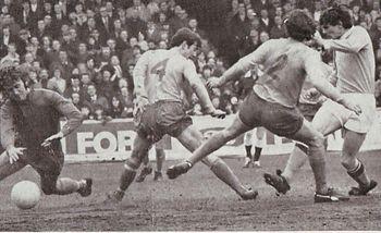 everton home 1970-71 hill goal