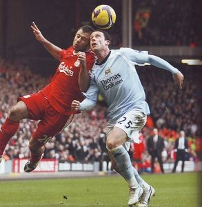 liverpool away 2008 to 09 action3