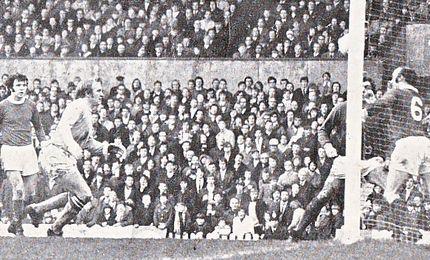 man utd away 1970 to 71 lee goal