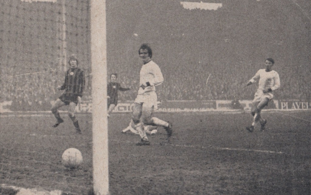 wigan 1970 to 71 bell goal2