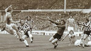 1976 league cup final barnes goal 3