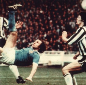 league cup final 1975-76 tueart goal