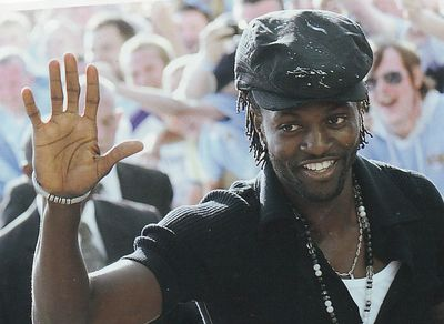 adebayour signs 2009