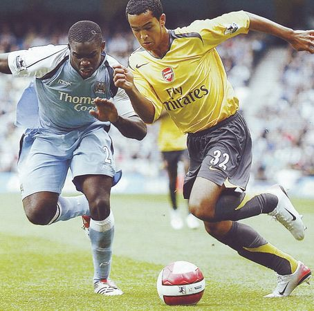 arsenal home 2006 to07 action