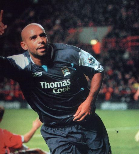 2005-06 charlton away sinclair goal