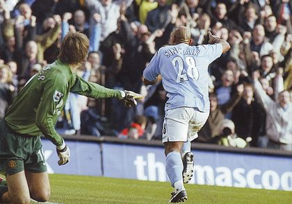 2005-06 utd home sinclair goal