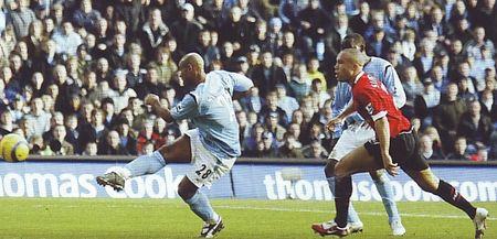 2005-06 utd home sinclair goal2
