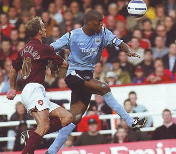 arsenal away 2005 to 06 action