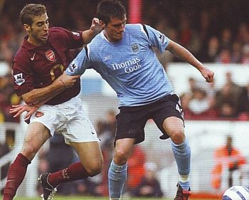 arsenal away 2005 to 06 action2